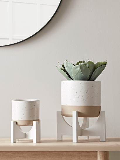 Two Dipped Standing Planters