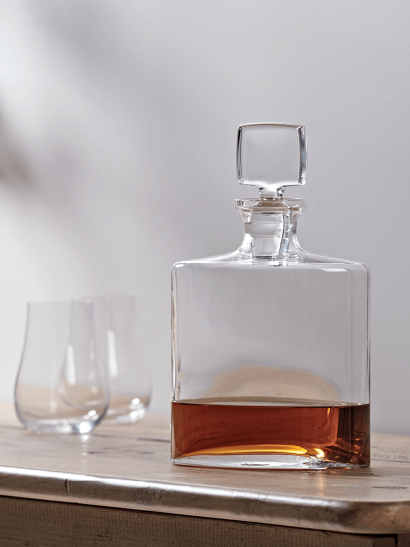 NEW Whiskey Decanter