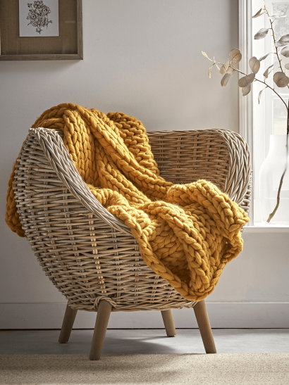 NEW Chunky Knit Throw - Mustard