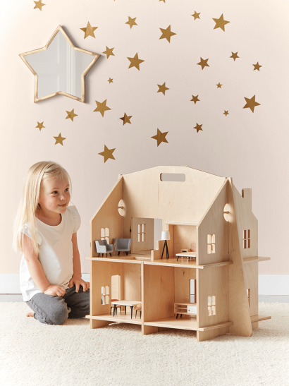 NEW Wooden Dolls House