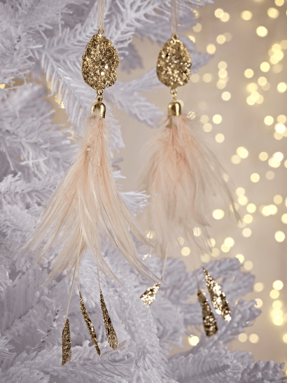 NEW Two Delicate Feathered Drops
