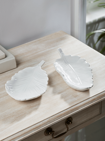 NEW Two White Feather Dishes