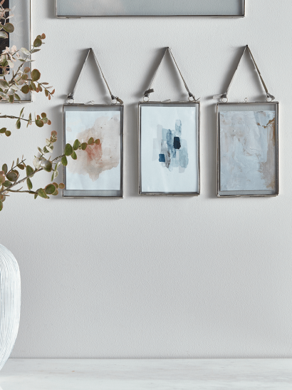 Three Delicate Hanging Frames - Silver