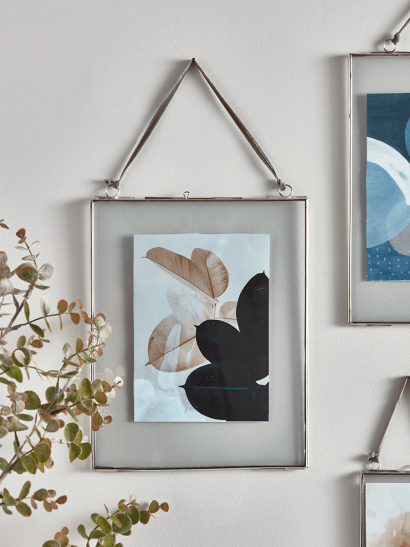 Delicate Hanging Glass Frame - Silver