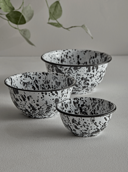 Monochrome Spattered Bowls