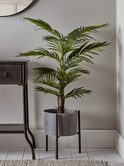Faux Potted Spray Palm