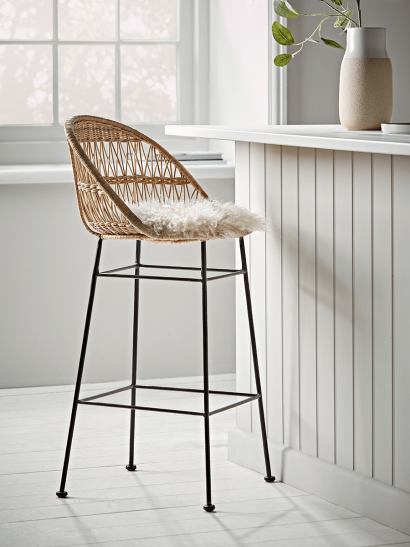 Rounded Wicker Counter Stool