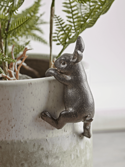 NEW Hare Plant Pot Hanger
