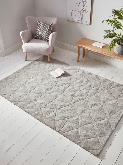 NEW Textured Triangle Rug
