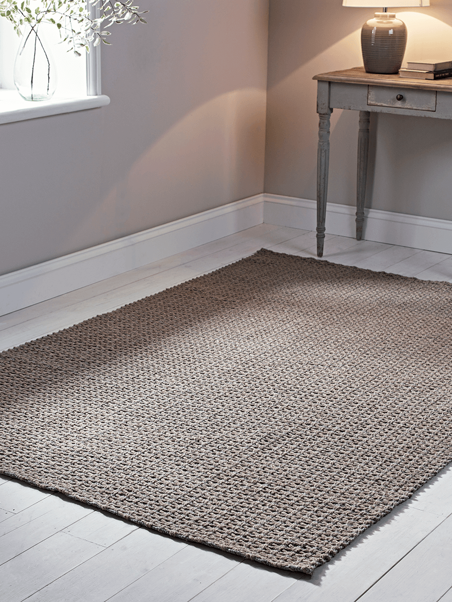 Bow Tucked Jute & Wool Rug